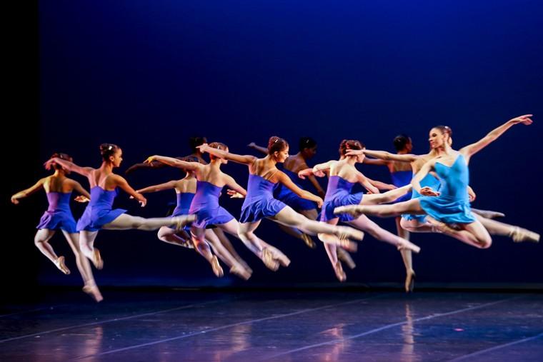 106 anos do Theatro - escola de dança Maria Olenewa