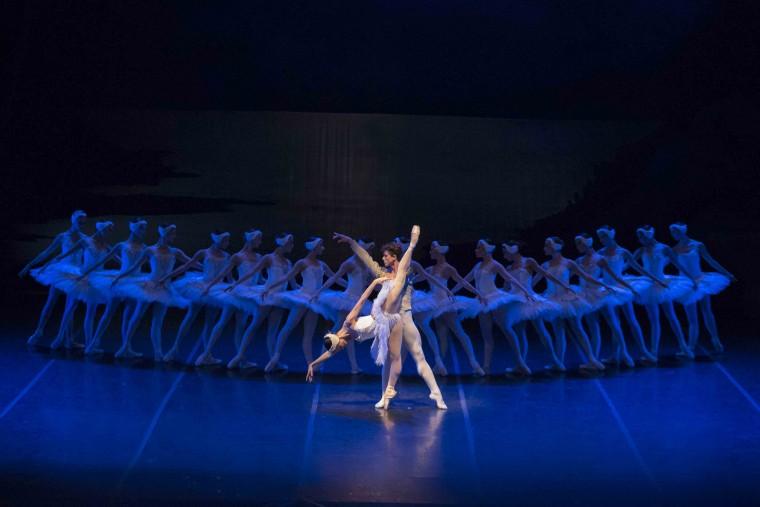 O Lago dos Cisnes- primeiros bailarinos Márcia Jaqueline e Moacir Emanoel
