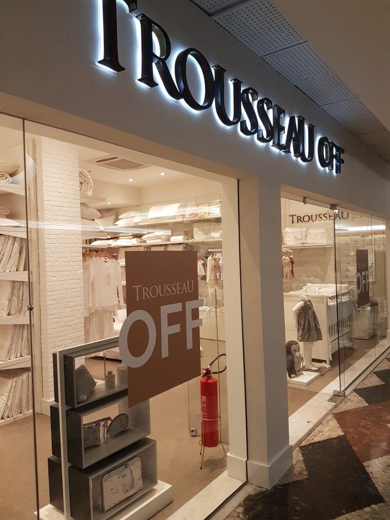 38456a416f5 Compras no Shopping da Gávea  lojas de móveis e objetos de decoração ...